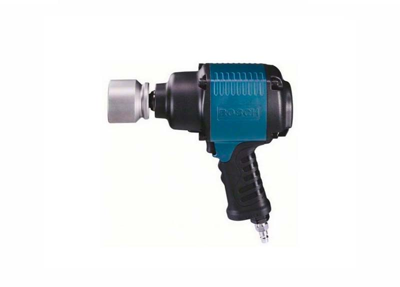 3/4'' ударный гайковерт Bosch 900 Нм